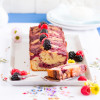 Griess Rührkuchen mit Joghurt und Beeren Swirl