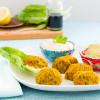 Kürbis Falafel mit Tahihi und Avocado Dip