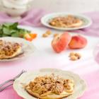 Amarettini Streuseltaler mit Weinbergpfirsichen