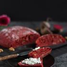 Rote Bete Walnuss Brot mit Meerrettich Quark