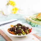 Philippinisches Adobo Hähnchen auf Asia Salat