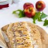Blätterteigzopf mit Käsekuchen Apfelkaramell Füllung