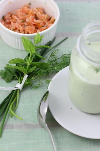 haseimglueck.de Rezept, Kalte Gurken Joghurt Suppe mit Walnüssen und Lachs 2