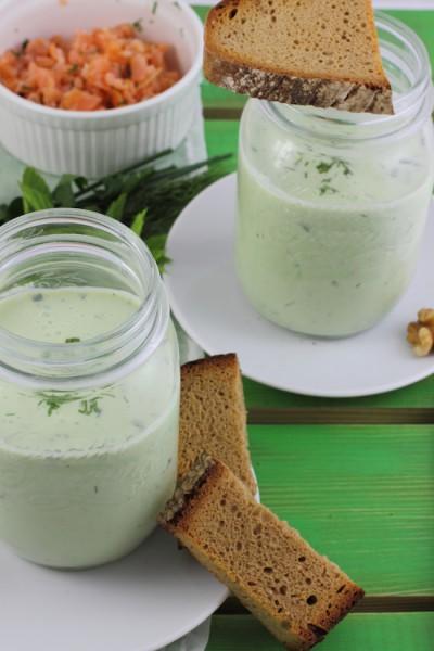 haseimglueck.de Rezept, Kalte Gurken Joghurt Suppe mit Walnüssen und Lachs 5
