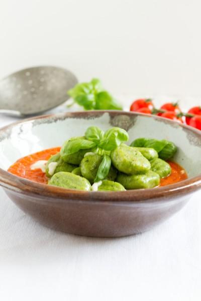 haseimglueck.de Rezept, Basilikum-Gnocchi-mit-Tomaten-Mozarella-Sauce 3