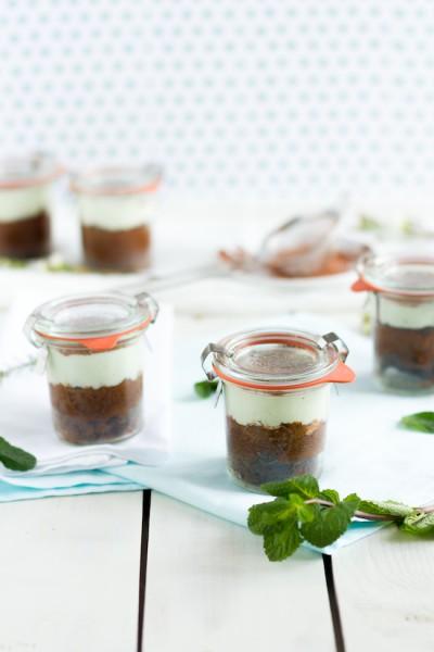 haseimglueck.de Rezept, Schokoladen Kuchen mit Pfefferminz Creme 9