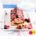 haseimglueck.de Rezept, Griess Rürhkuchen mit Joghurt & Beeren Swirl 1