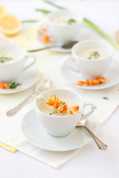 haseimglueck.de Rezept, Kalte Frühlingszwiebel Joghurt Suppe mit Zitrone und Flußkrebsen 2