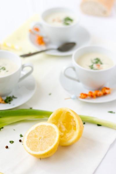 haseimglueck.de Rezept, Kalte Frühlingszwiebel Joghurt Suppe mit Zitrone und Flußkrebsen 3