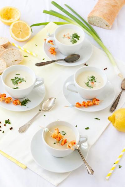 haseimglueck.de Rezept, Kalte Frühlingszwiebel Joghurt Suppe mit Zitrone und Flußkrebsen 6