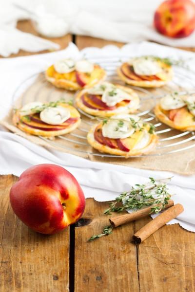 haseimglueck.de Rezept, Blätterteig Tartelettes mit Nektarine Ziegenkäse 6