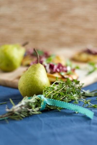 haseimglueck.de Rezept, Mini Pizza mit Birnen & Gorgonzola 5