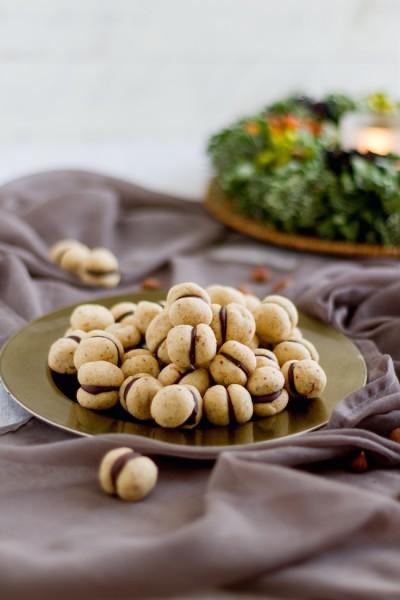 Baci di Dama I Italian Hazelnut Cookies I haseimglueck.de