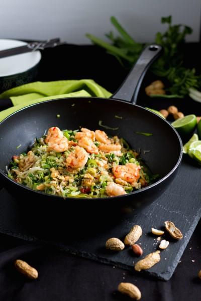Zucchini Nudeln mit Shrimps I Zucchini Noodles with Shrimps I Low Carb Pad Thai