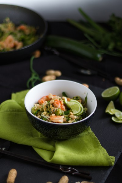 Zucchini Nudeln mit Shrimps I Zucchini Noodles with Shrimps I Low Carb Pad Thai