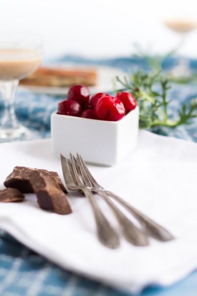 Schokoladen Kirsch Kuchen mit Baileys I Chocolate Cherry Cake with Baileys I haseimglueck.de