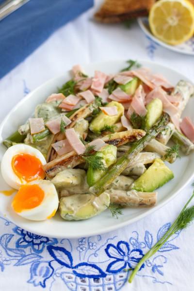 Spargel Avocado Salat mit Joghurt Dill Dressing I Asparagus Avocado Salad with Yogurt Dill Dressing I haseimglueck.de