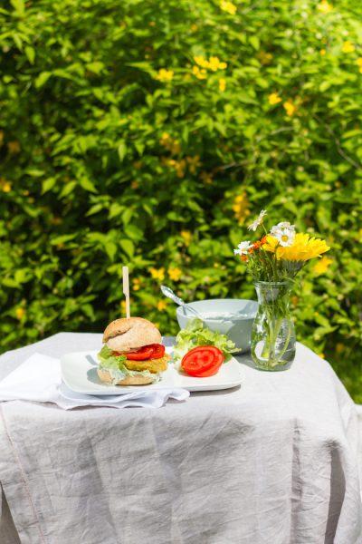Vegan Kichererbsen Zucchini Burger & Zaziki I Vegan Zucchini Chickpeas Burger & Tzatziki I haseimglueck.de