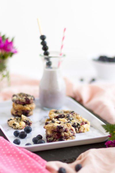 Heidelbeer Muffin Cookies mit Macadamia Streuseln I Blueberry Muffin Cookies with Macadamia Crumbles I haseimglueck.de