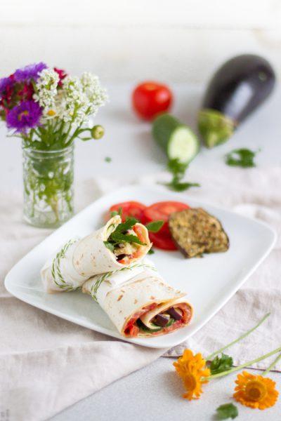 Vegetarische Wraps mit Auberginen, Za'atar & Hummus I Vegetarian Wraps with Aubergine, Za'atar & Hummus I haseimglueck.de
