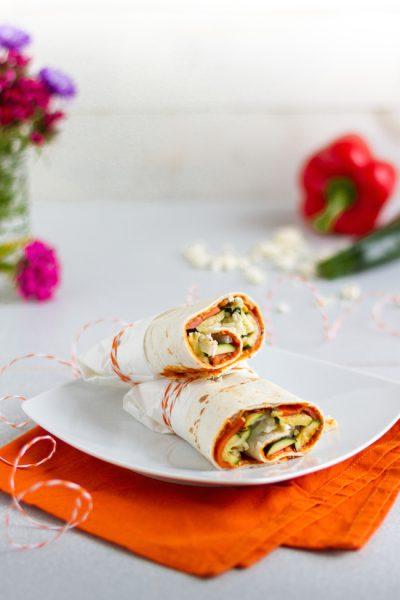 Vegetarische Wraps mit Zucchini, Feta & Bohnen-Paprika-Aufstrich I Vegetarian Wraps with Zucchini, Feta & Bean Pepper Spread I haseimglueck.de