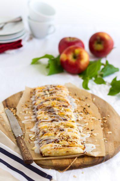 Blätterteigzopf mit Käsekuchen & Apfelkaramell Füllung I Danish Braid with Cheesecake & Apple Caramell Filling