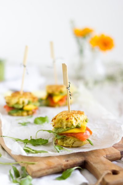 Mini Rösti Burger mit Lachs I Mini Hash Browns Burger with Smocked Salmon