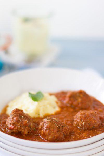 Griechische Hackbällchen mit Kartoffelpüree I Meatballs Greek Style with Mashed Potatoes